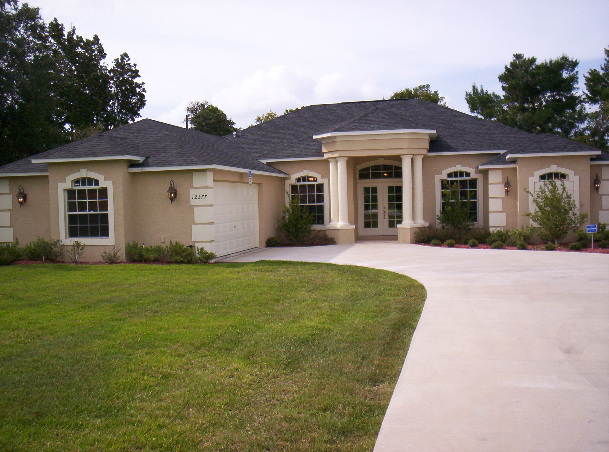 Spec homes for sale model homes for sale in citrus county for Photos of model homes